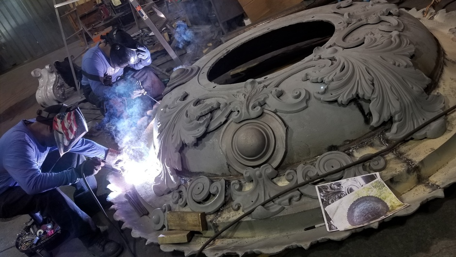 Various photos of the restoration of the fountain